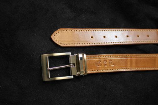 Découvrez la ceinture en cuir tanné végétal Naturel - Fabriqué en france. Accessoires en cuir tendance pour homme ou femme