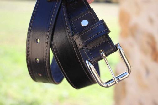 ceinture en véritable cuir noire, boucle argent